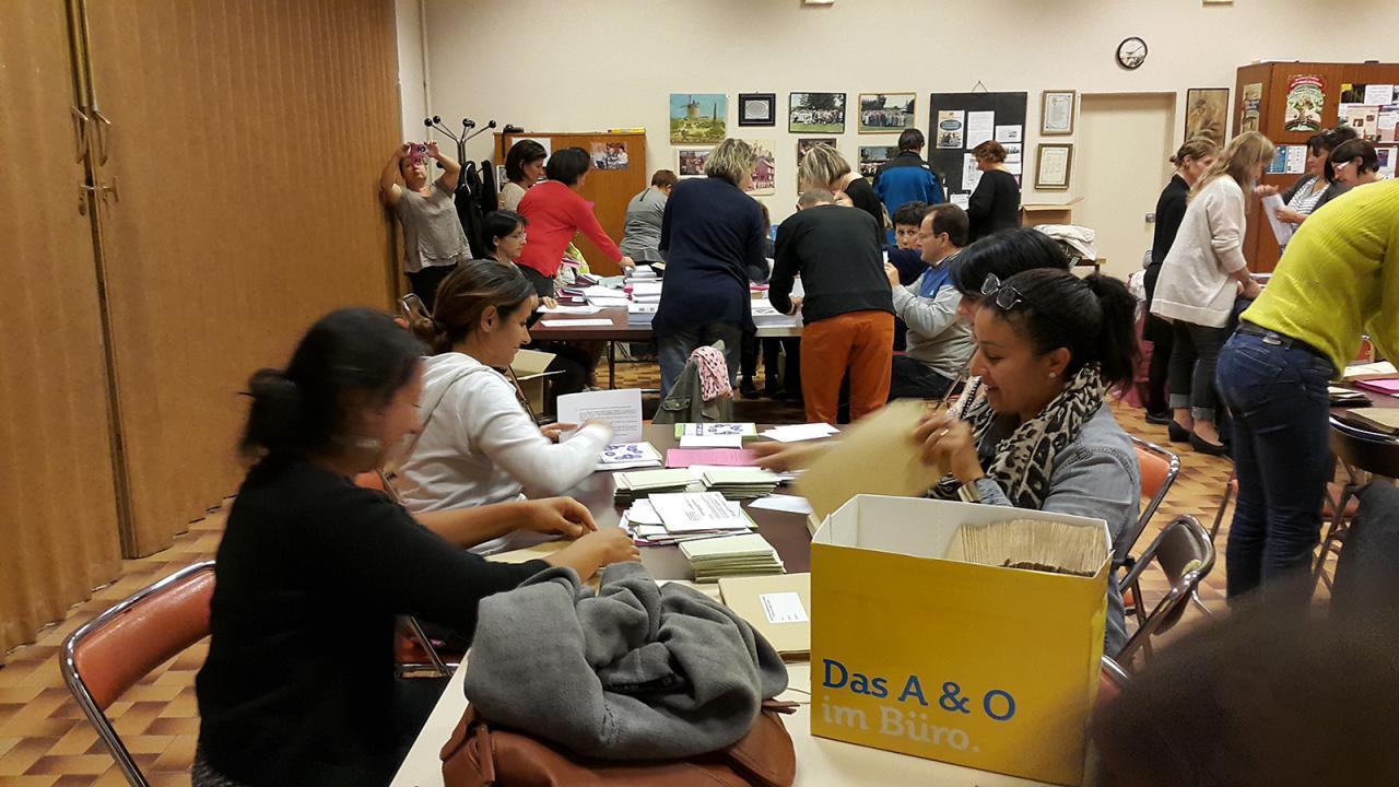 Mise sous plis Elections des P.E de Poussin - Sept 2015